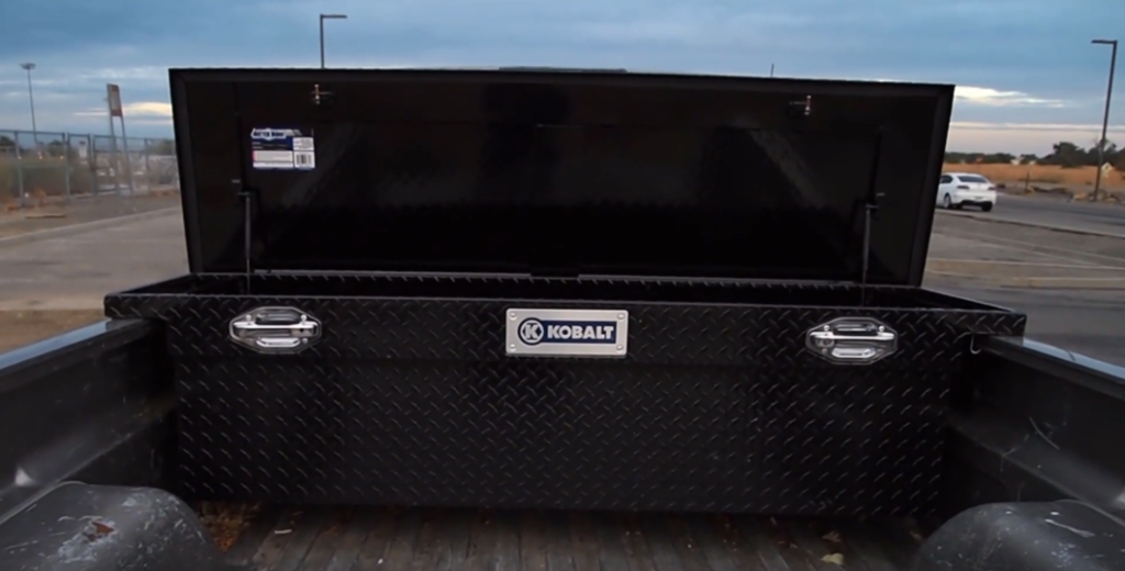 Mounting a toolbox in a truck bed