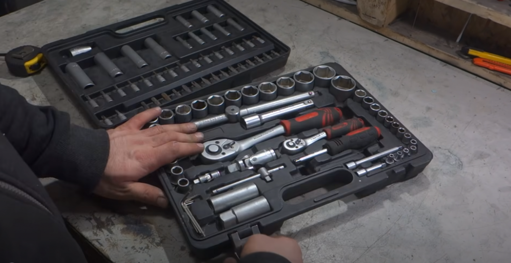 How to choose a toolbox for power tools